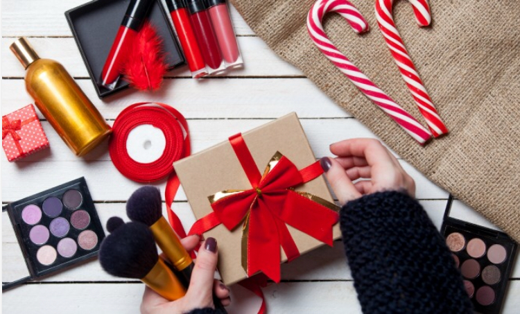 20 Products to Get the Beauty Guru in Your Life This Holiday Season